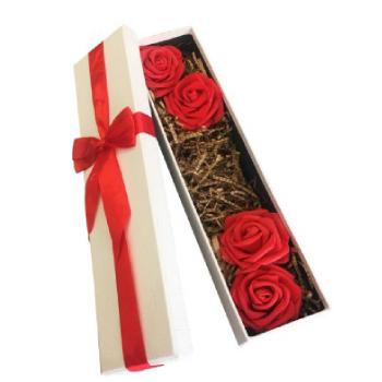 جعبه هدیه با گل رز