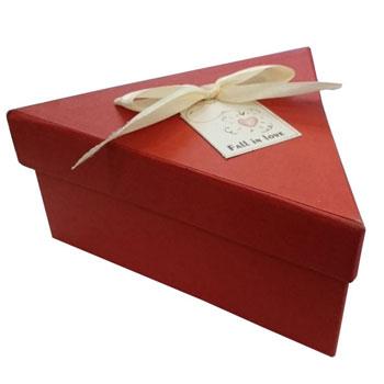جعبه کادو مثلثی