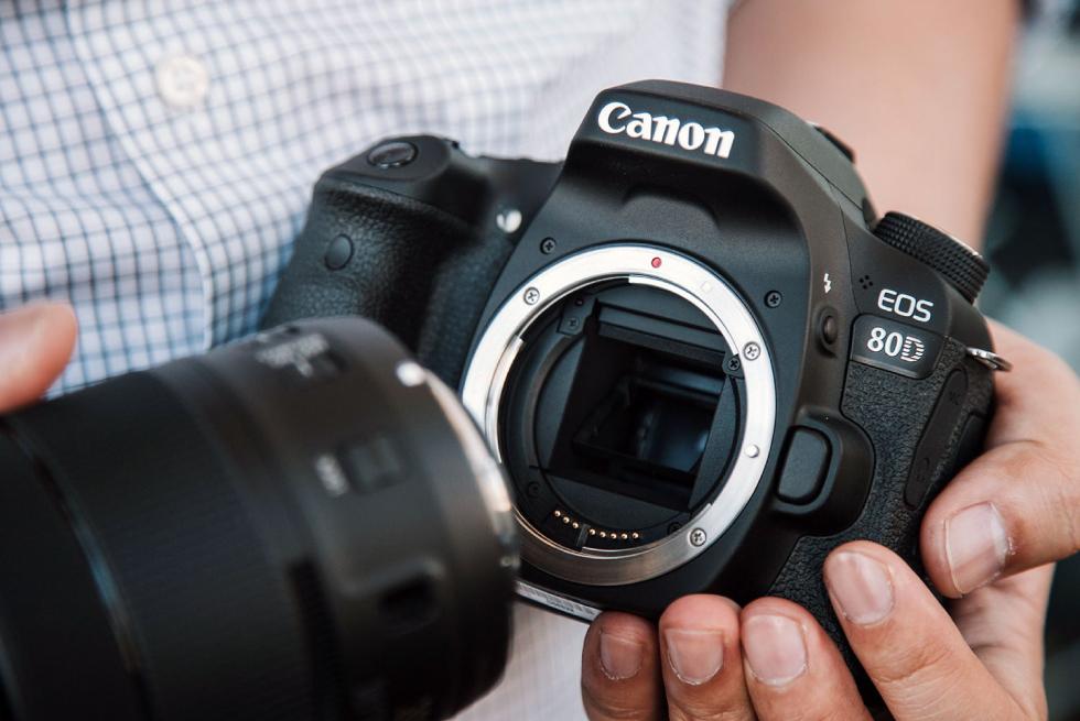 قیمت دوربین کانن ۸۰d با لنز ۱۸-۱۳۵