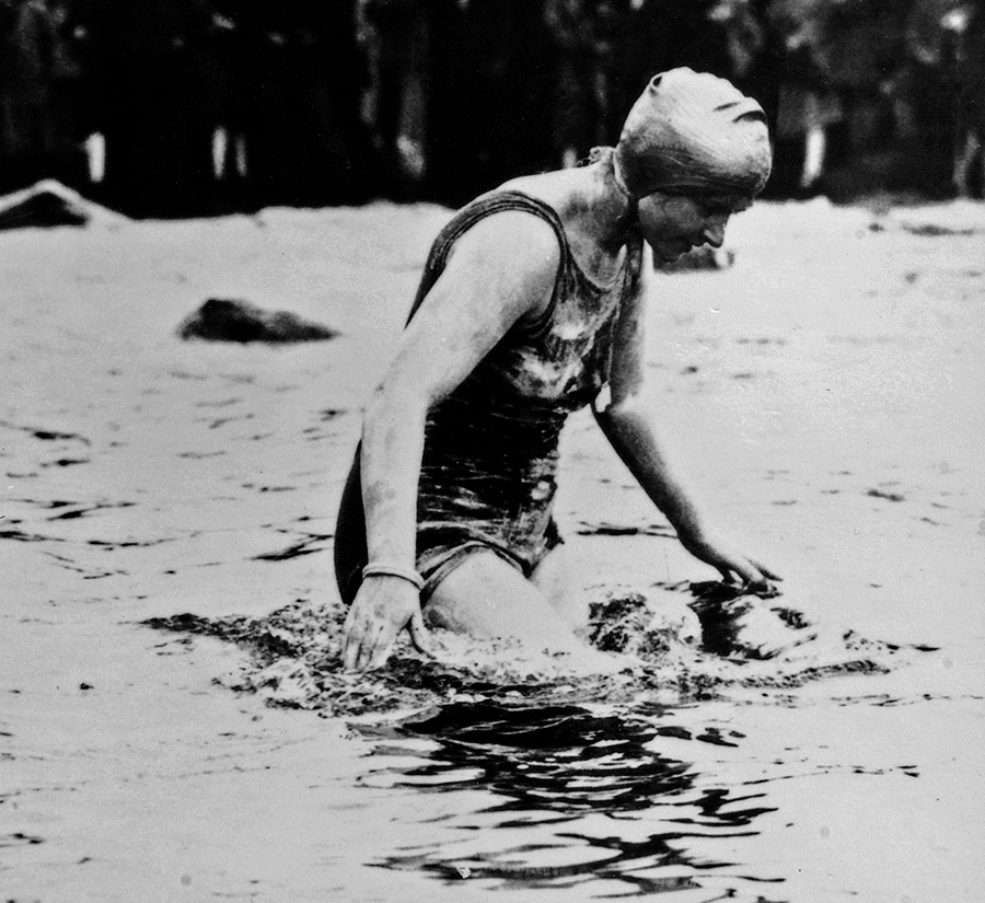 شنای مرسدس گلیتز در سال 1927 با ساعت اویستر رولکس
