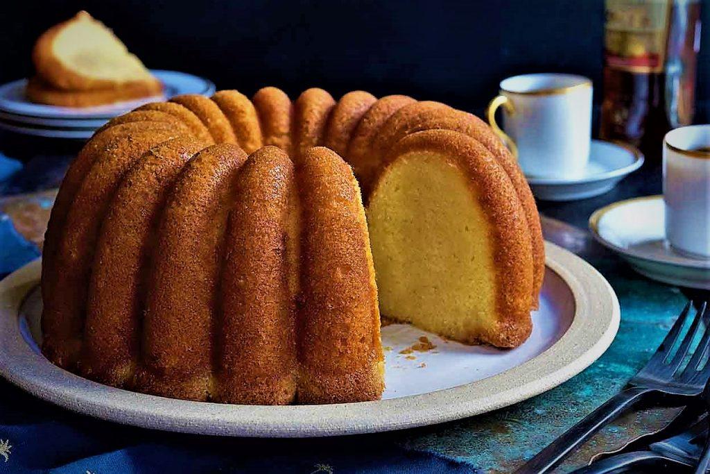 طرز تهیه کیک ساده با کیک پز