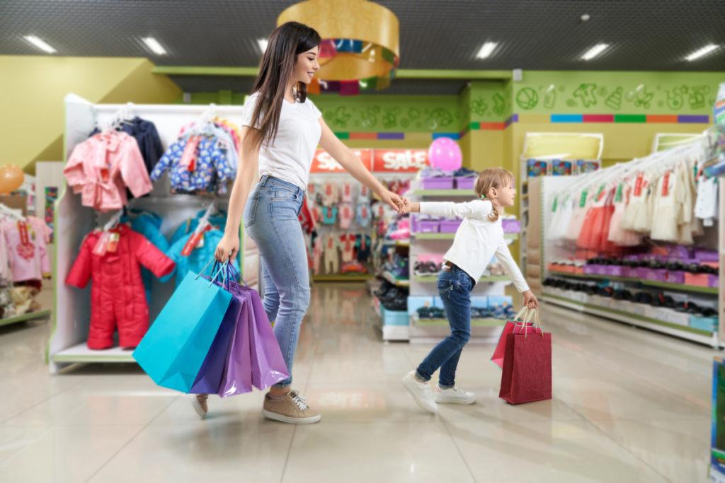 از خواسته کودکتان در انتخاب پوشاک بچه گانه ساده نگذرید!