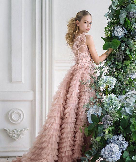 لباس مجلسی دخترانه کلاسیک