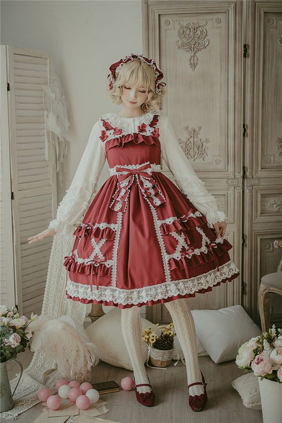 لباس عروسکی زرشکی