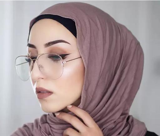 مدل بستن روسری با عینک