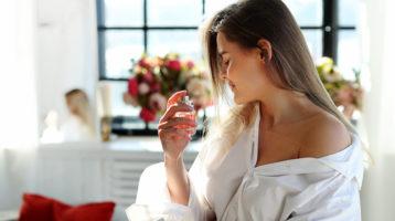 عطر زنانه شیرین و گرم